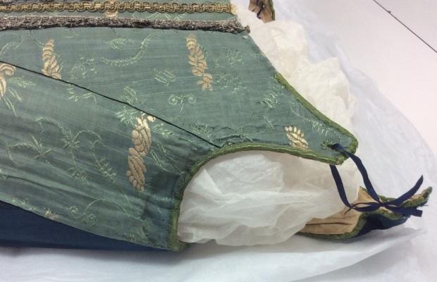 4. Wool, silk, linen stays 1670-80.2